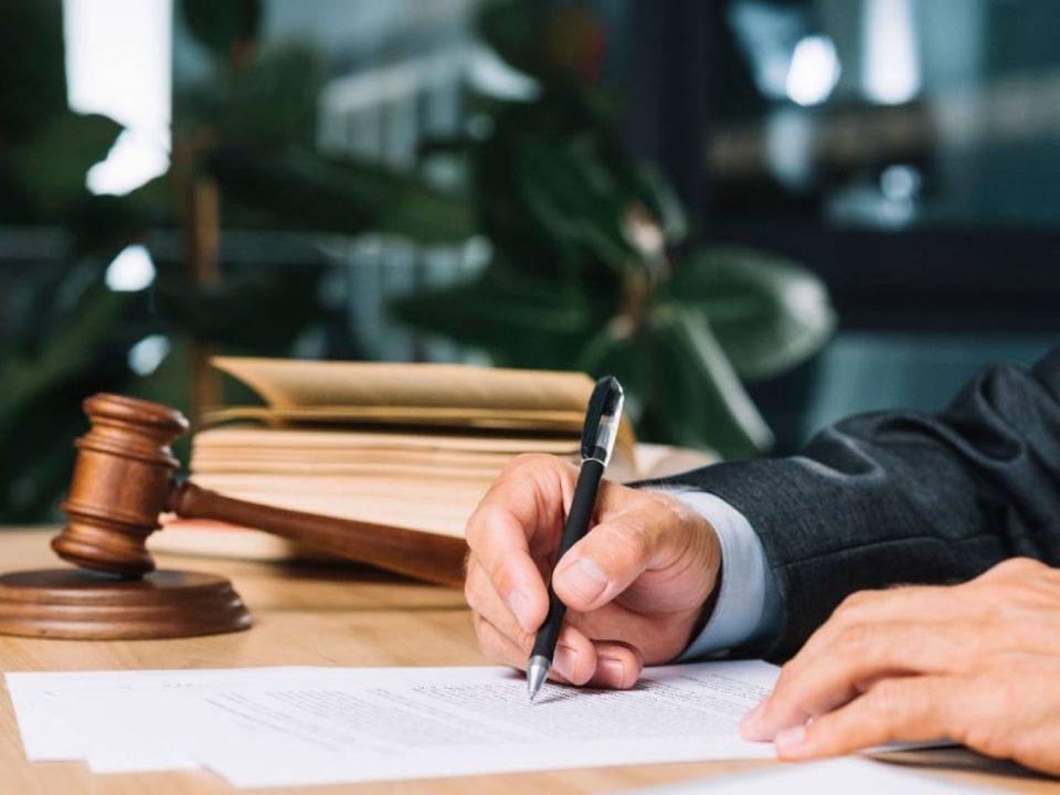وکیل محمد طراقیان پور انجام خدمات وکیل پایه یک دادگستری وکیل امور ملکی وکیل متخصص مهریه